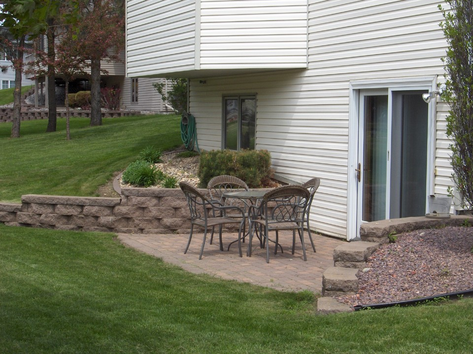 1535 north highway jackson mn jackson minnesota real for Walkout basement patio ideas