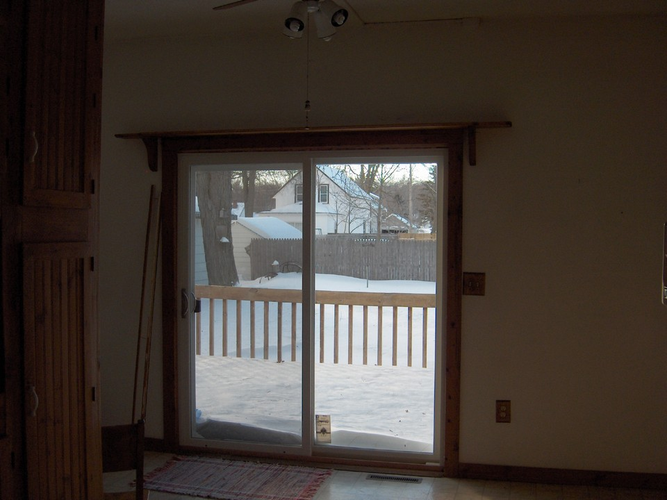sliding galss doors to the patio.
