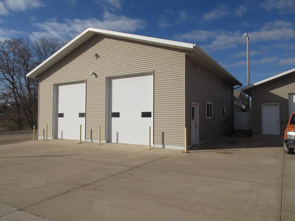 large insulated shop 36 x 36.  heated, air conditioner.  12 foot doors.