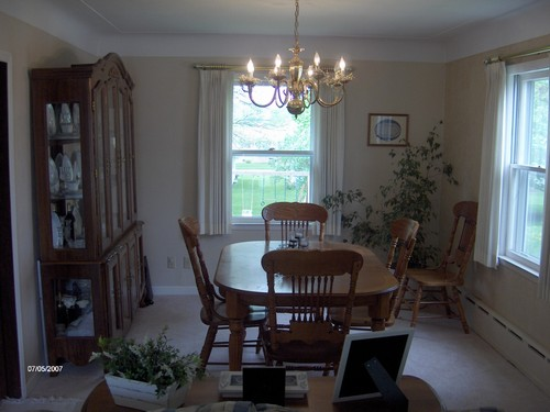 formal dining room. located between the kitchen and living room.  this is wide open to the living area.